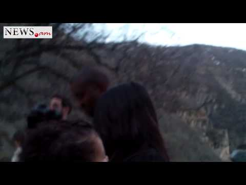"Kim Kardashian says ""How are you"" in Armenian"