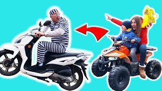 Baby biker Super Lev with Mom Ride On Power Wheel Quad Bike and Catch Robber