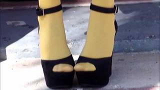 how to: MUSTARD TIGHTS AND PEEP TOE HEELS