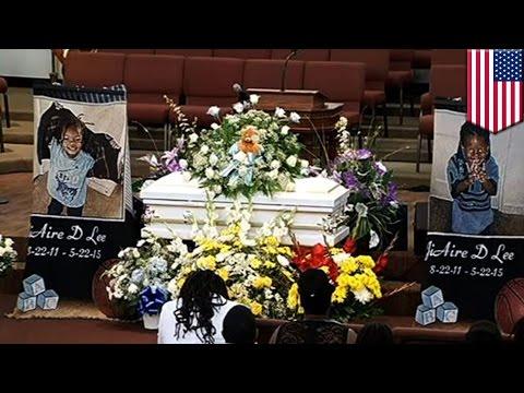 Мать убила малыша, качая его на качелях двое суток