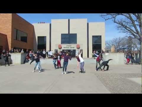 SCSU K-Pop flash mob 2013