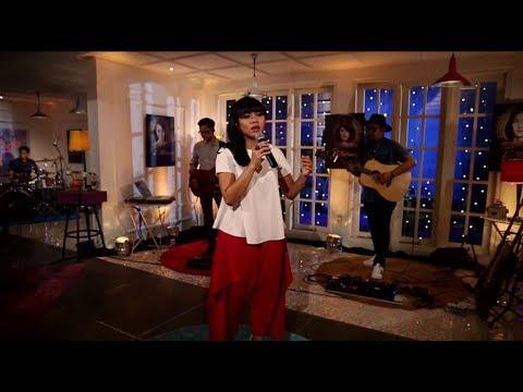 download lagu Yura Yunita - Cinta dan Rahasia (Live at Music Everywhere) ** gratis