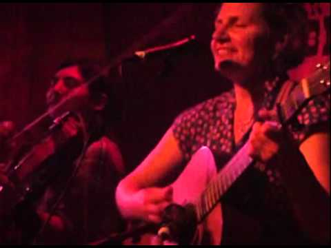 Emily Bonn &amp; The Vivants  Live- Accidental Stomp
