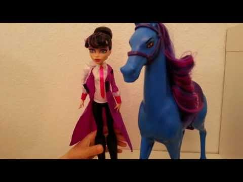 Monster High Headless Headmistress Bloodgood and Nightmare Review!