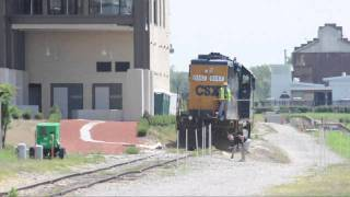 A Man Tries His Best to Get Hit by a Train- CSX Switching Lehigh Cement in Richmond, VA