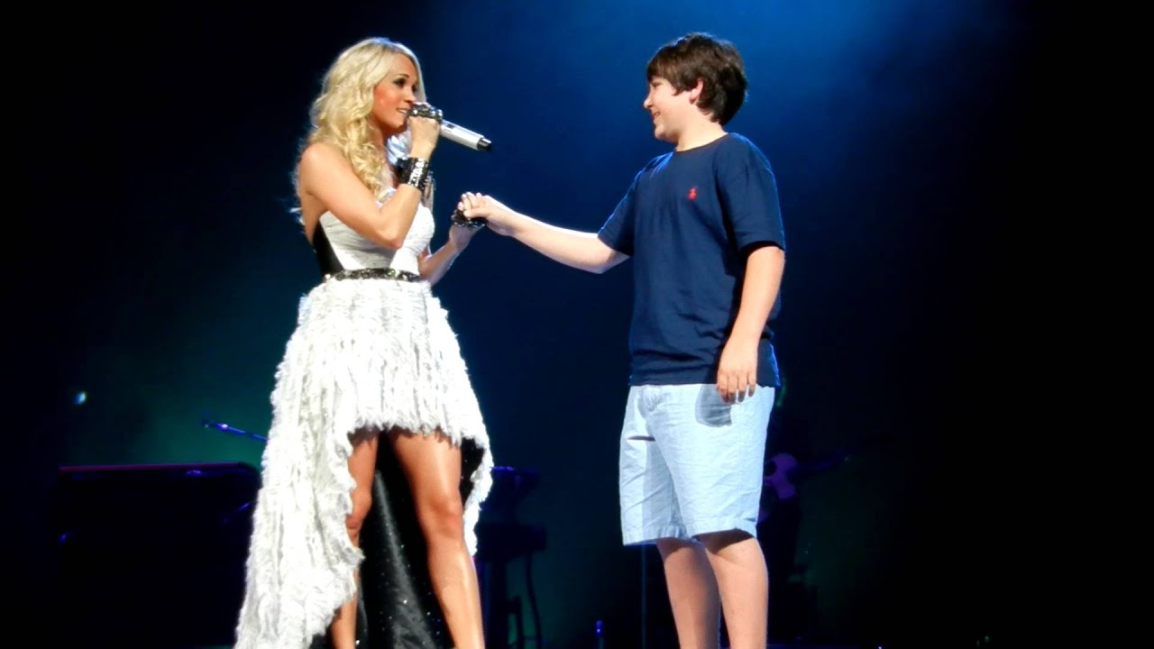 Olivia Holt And Leo Howard Kissing On The Lips Carrie Underwood gives...