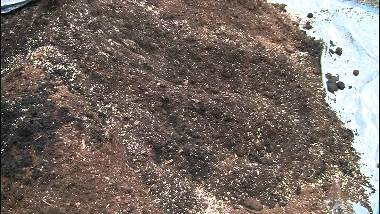 How to make square foot gardening soil mix in real time for What is soil made out of