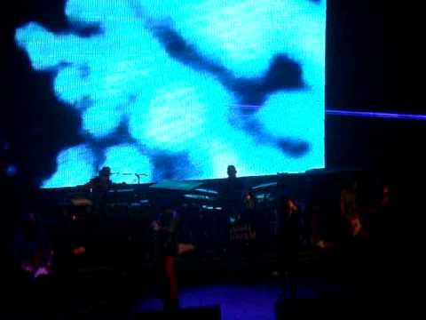 Primal Scream and Kevin Shields - Live at Hammersmith Apollo