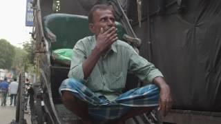 Tana Rickshaw Puller Enjoying Smoking Bidi The Indian Cigarette