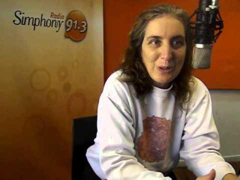 Laura Lagos hablando de Registros Akáshicos en 168 Horas Radio