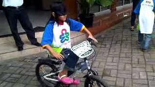 midbrain activation world - Fantastic Demo How to ride bicycle with eye closed - MCB