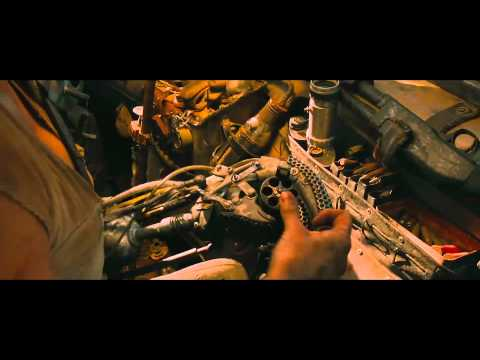 Mad Max: Fury Road - Comic Con Trailer Italiano | HD