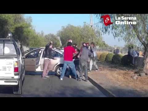 Le pegan a las mujeres tras accidente de tránsito
