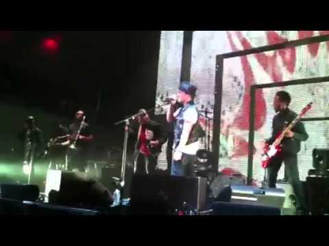 Bruno Mars- Run Away live