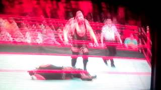 Braun strowman brakes the ring see what he did craziest raw mach ever