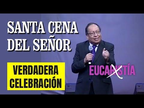 Pastor Toto Salcedo celebra la Santa Cena en Ekklesía Bolivia