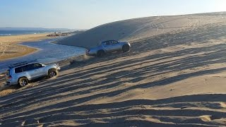 Toyota Land Cruiser vs Mitsubishi Triton Sand Dune Challenge