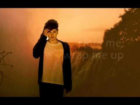 Aiden Grimshaw - Breathe Me lyrics