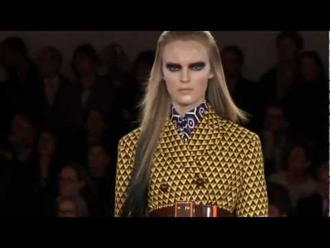 PRADA FALL/WINTER 2012 WOMENSWEAR SHOW