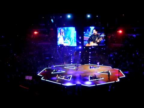 Hosanna (be Lifted Higher) - Hillsong Conference 2012 - Sidney Mohede video