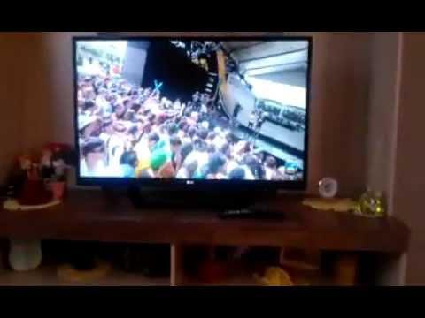 TV 42 LG LED 3D 42LM6400 - Desliga e liga sozinha - 10 dias de uso!