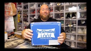 Opening up the Pro Wrestling Loot September 2019 MYSTERY BOX + Exclusive Autograph & Collectibles