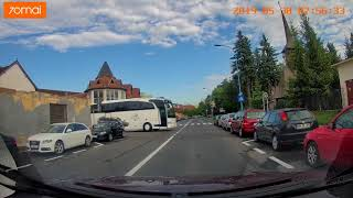 autocare pe străduțe mici în Brașov