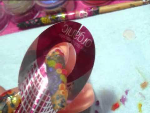 diseño de uñas con flores 3D