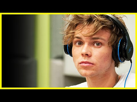ASHTON DROPS BOMBSHELL + ALBUM UPDATES! - 5SOS Fridays Ep. 26