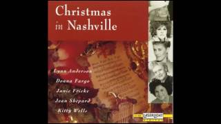 Watch Kitty Wells Silent Night video