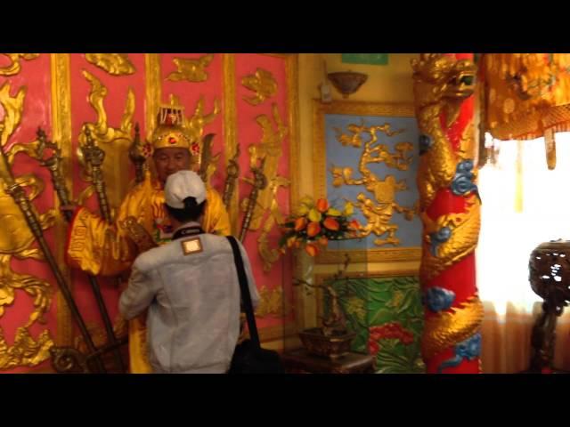Sherril & Nghiem Phan's Travel: Nghiem Phan was King of Vietnam for a day (Feb 12, 2014)