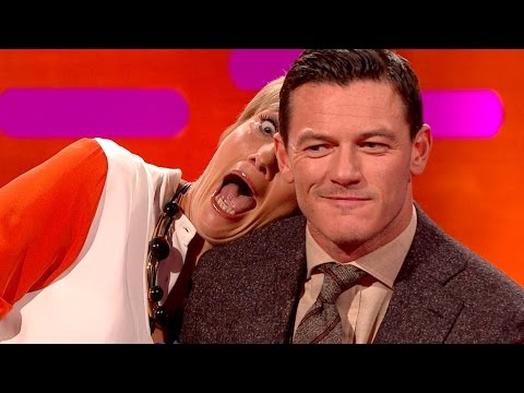 Emma Thompson's photobombing skills - The Graham Norton Show: Series 16 Episode 2 - BBC One