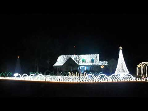 Amazing Christmas light show 125 Chamale dr. Slidell