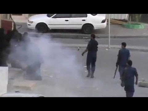 Bahrain police break up women's protest with stun grenades - nocom