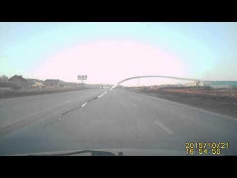 21 10 2015 видеорегистратор момент наезда на двух пешеходов Ижевск Славянское шоссе