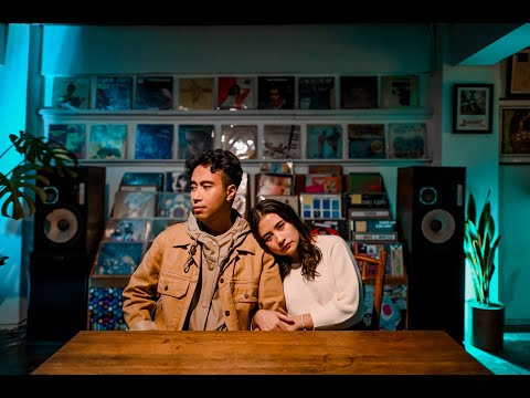 Download Lagu Ketulusan Cintaku (Pelangi Di Malam Hari) - Vidi Aldiano feat. Prilly Latuconsina.mp3