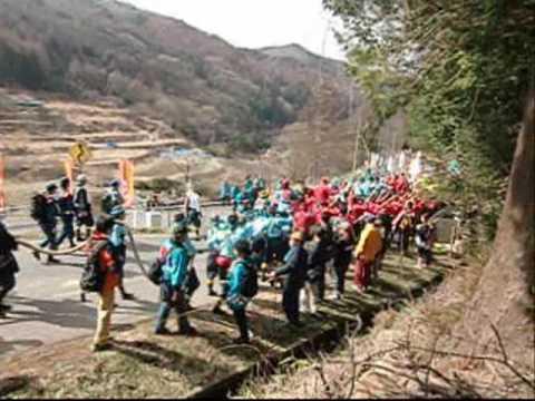 諏訪大社に御柱を題材に描いた日本画の大作が奉納される - 越の国と諏訪を結ぶ貴重な試みのキャプチャー