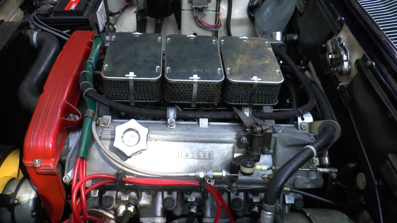Fiat 130 3 2 Abarth Engine With 3 Weber 44 Dcnf Carbs High