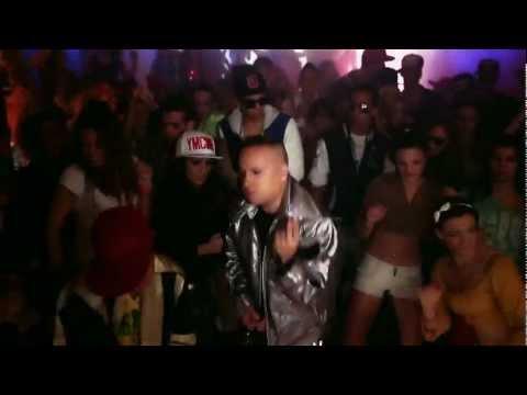 L.L. Junior 'Gizda' című dalának hivatalos videóklipje a 2012-es 'Non plus ultra' albumról. Műsorszervezés: +36203370938 Műsorszervezés: +36203370938 Szerz�k: Lakatos Róbert,...