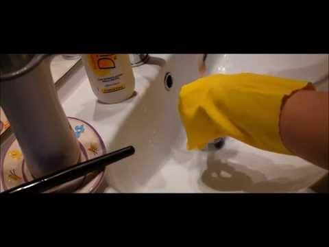"""""""Innovazione"""" economica per pulire i pennelli"""