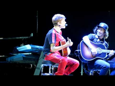 Justin Bieber - Favorite Girl river Plate Stadium 12 10 Hd (desde Fila 2) Live video