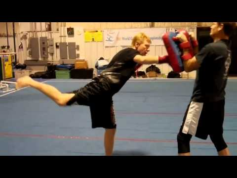 Savate Jumping Punch Image 1