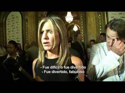 Alex Medela le cuenta a Jennifer Aniston sobre su mala experiencia