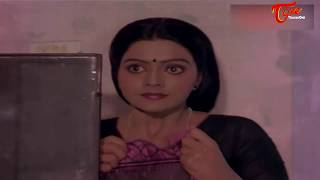 Actress Bhanupriya Saree Changing Scene || Best Romantic Scene of Tollywood #76