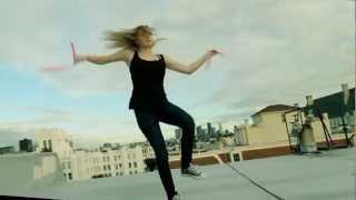 Супер девушка каратистка Nikki Stanley