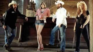 Nashville Pussy - Keep On Fuckin'