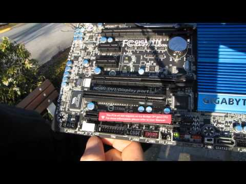 Gigabyte Z77X-UD5H Z77 Ivy Bridge Motherboard Unboxing & First Look Linus Tech Tips