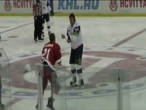 Бои КХЛ: Бреннан vs Артюхин (AllHockey.Ru)
