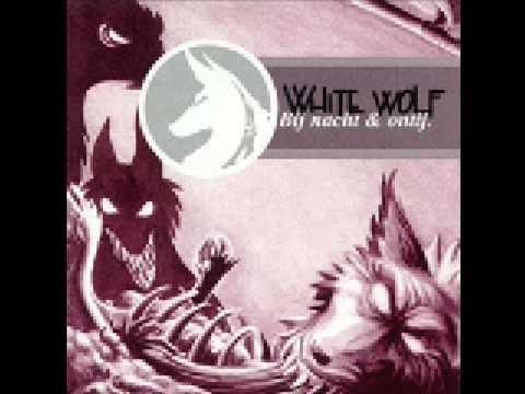 White Wolf - Het zwarte schaap