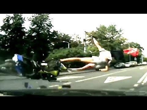 #166 【バイク事故!】 スリップ、転倒、すり抜け、衝突、バイク事故映像。